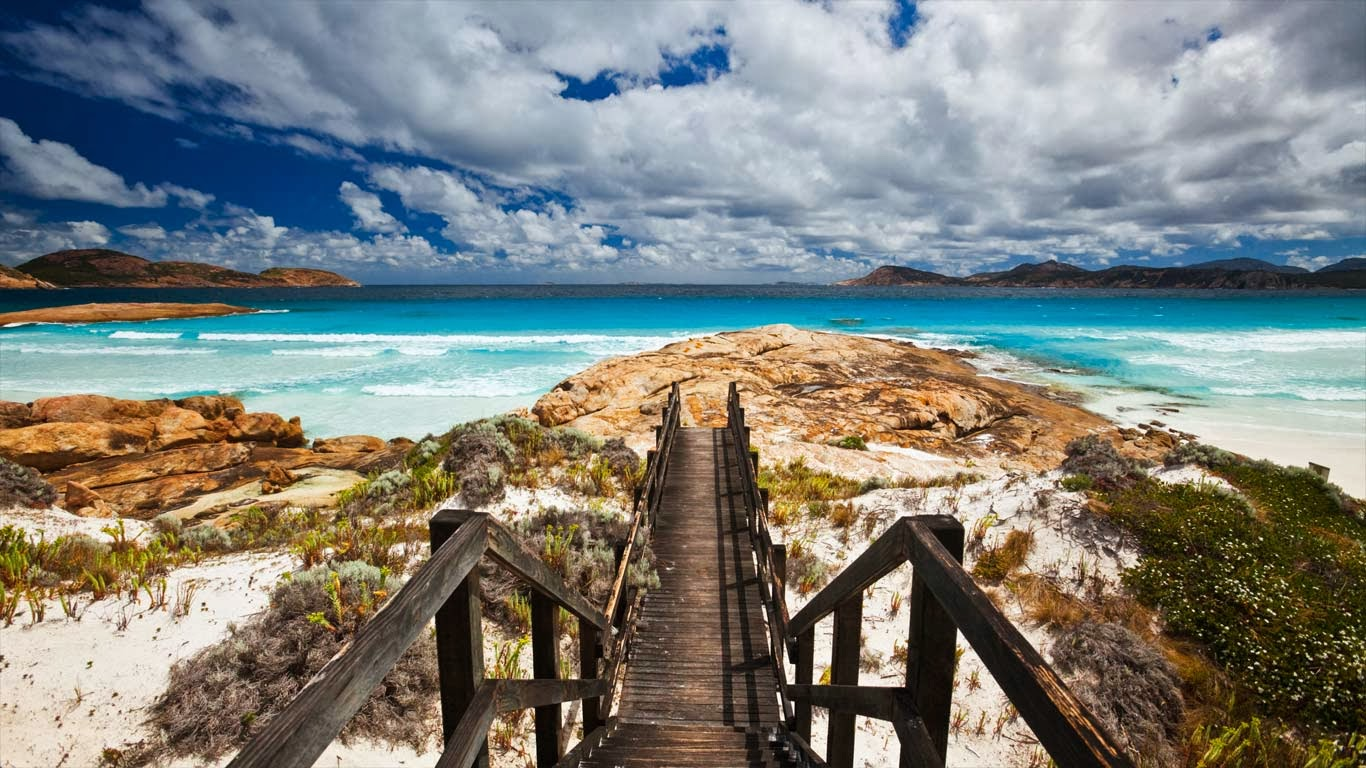 Lucky Bay, Cape Le Grand National Park, Australia (© Ocean/Corbis) 332