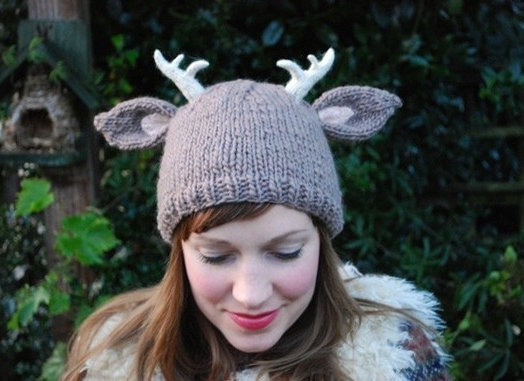 DIY Knit Hat Pattern - Deer with Antlers for Fall