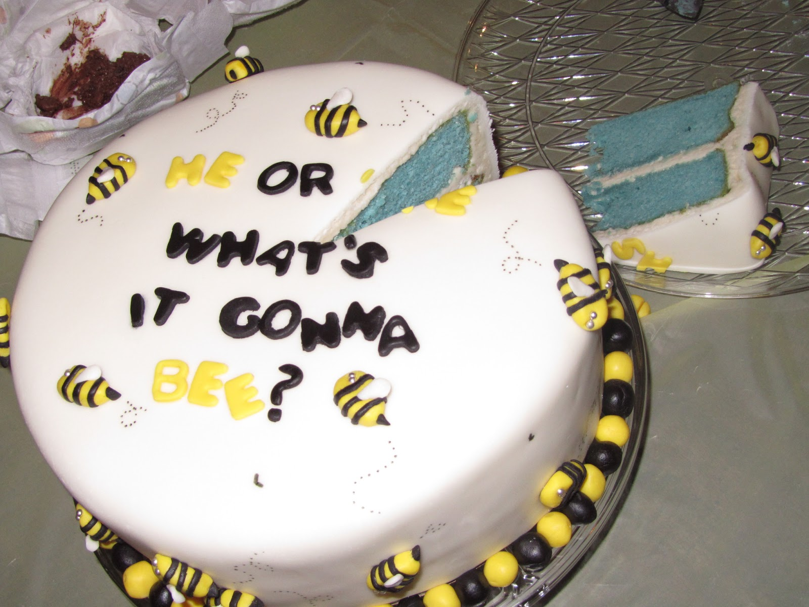 Jesicakes He Or She Whats It Gonna BEE Gender Reveal Cake