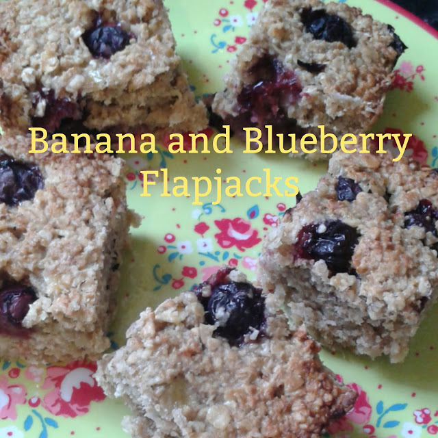 Banana and blueberry flapjacks