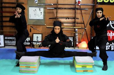 ninja perempuan Iran