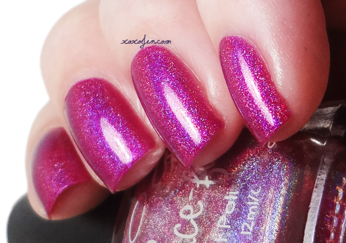 xoxoJen's swatch of Gracefull Magenta Sparks