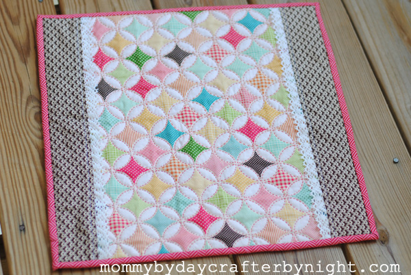 Mommy by day Crafter by night: Darling Doll Quilt Tutorial : doll quilt - Adamdwight.com
