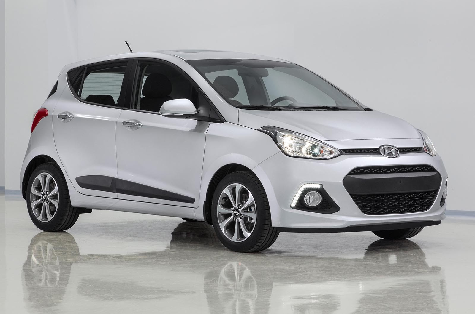 2014 hyundai i10 review specs and price auto review 2014. Black Bedroom Furniture Sets. Home Design Ideas