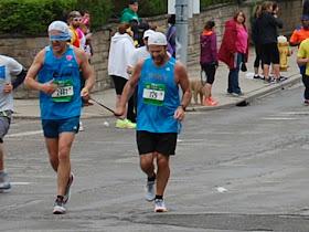 目隠しでマラソン完走
