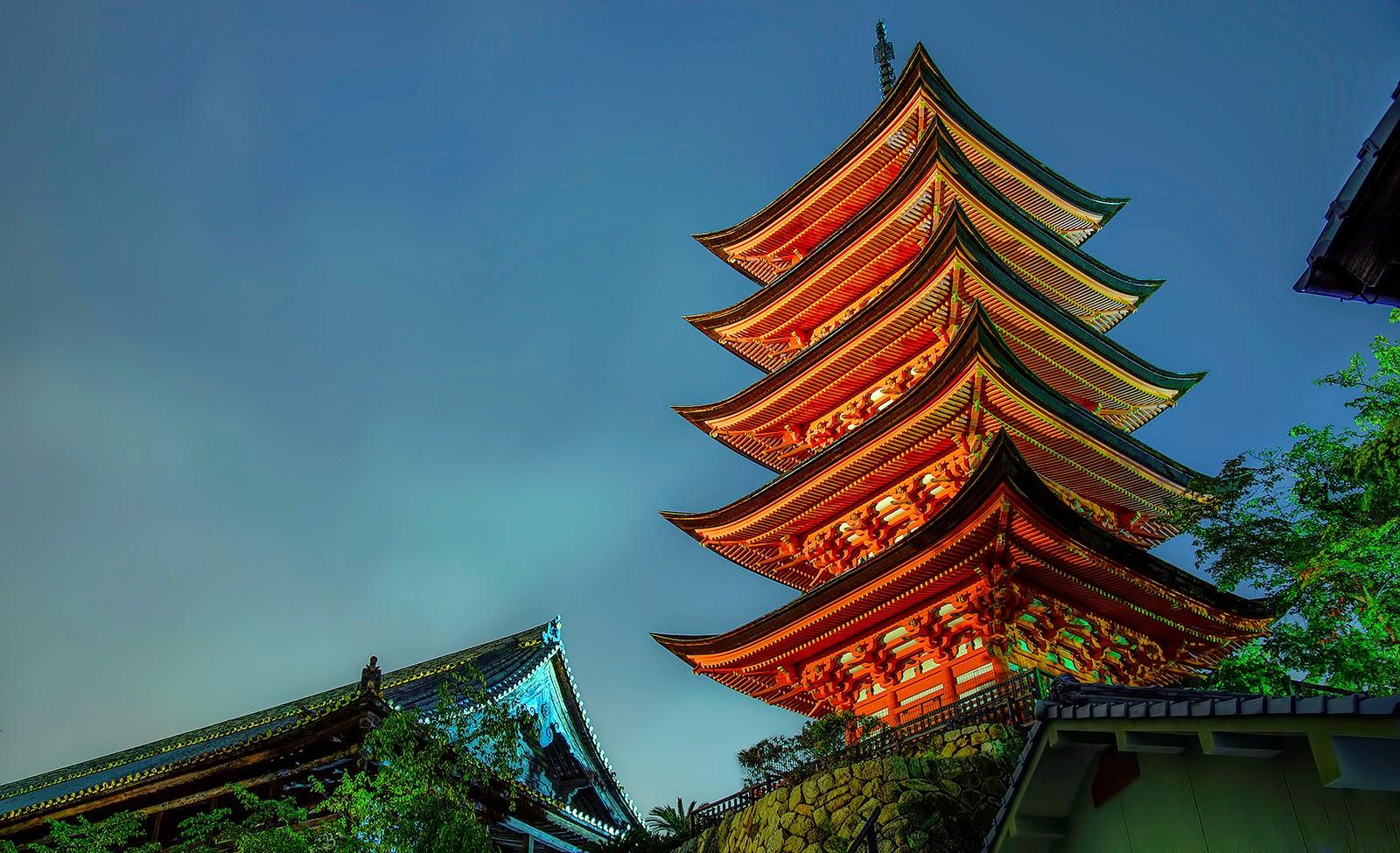Pagoda en templo budista