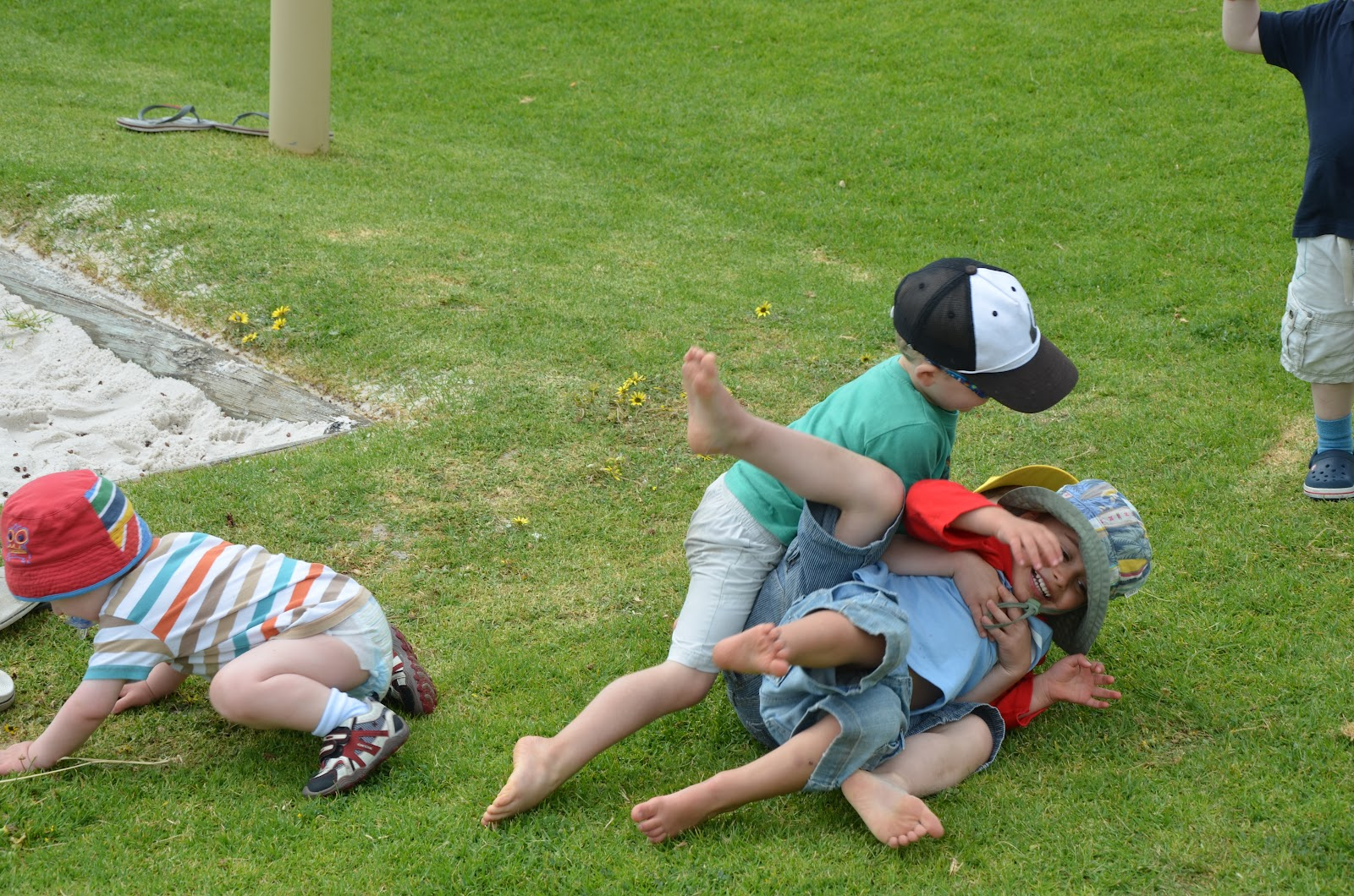 rough and tumble play The intent of this study was to examine relations between specific aspects of boys ' rough‐and‐tumble play (r&t) and social competence the prime concern.