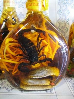 Las extrañas bebidas de Vietnam: El Snake Wine o Vino de serpiente.Snake Wine Snake Wine Snake Wine
