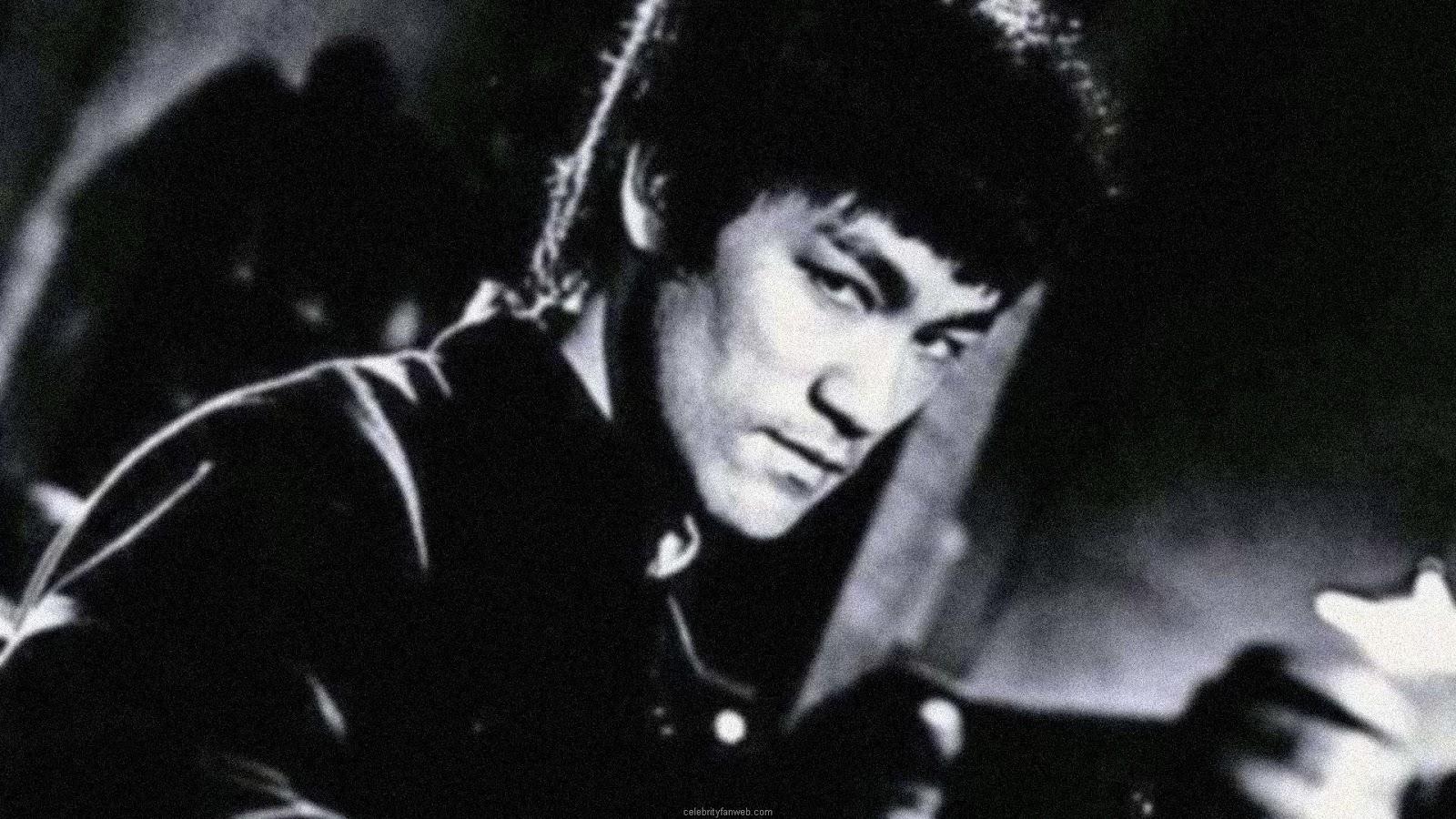 http://1.bp.blogspot.com/-e1-BlWZqKhA/TujrofQsUYI/AAAAAAAAB3A/MI8nd48-h3c/s1600/Bruce+Lee+Wallpapers+54.jpg