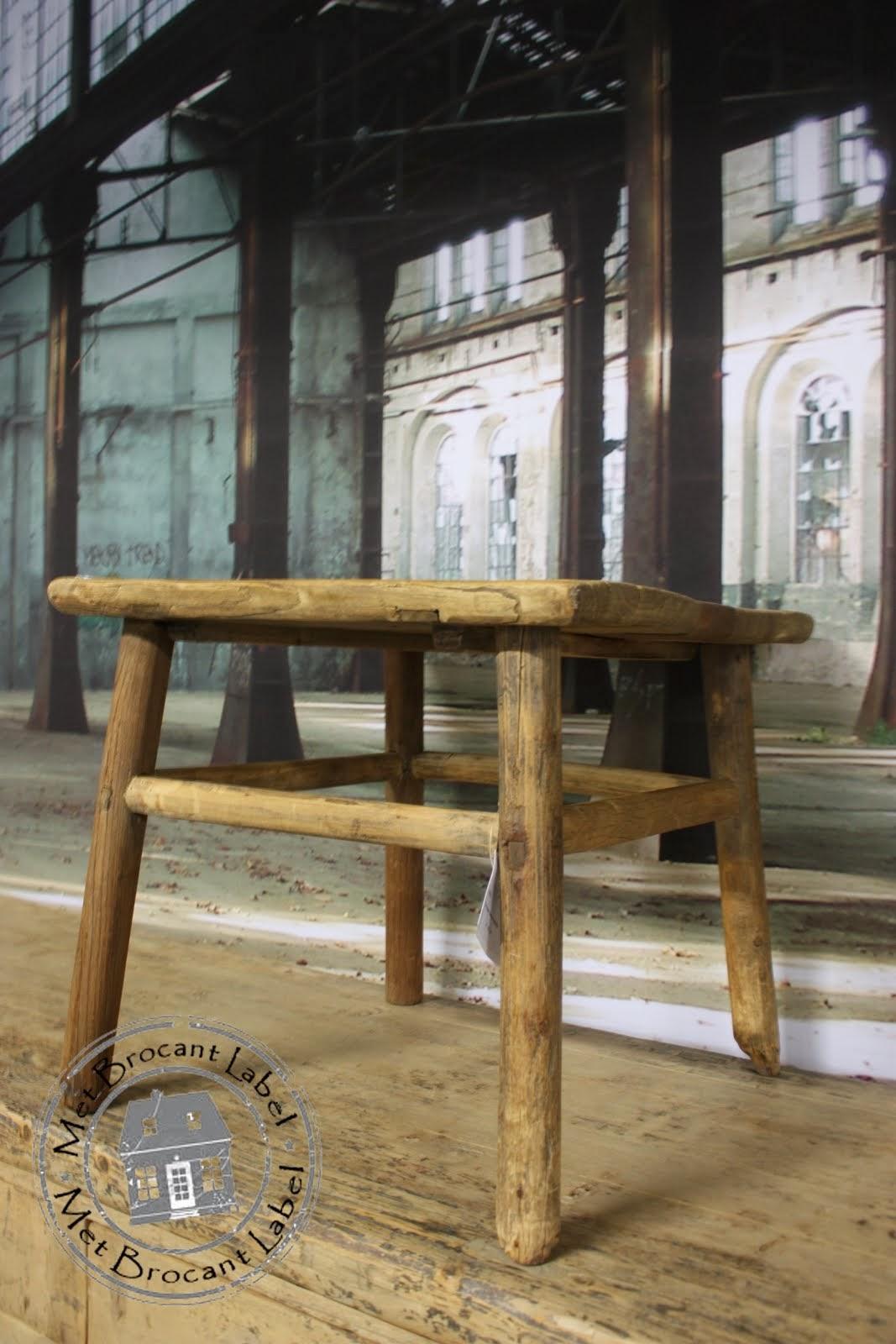 Oud houten tafel