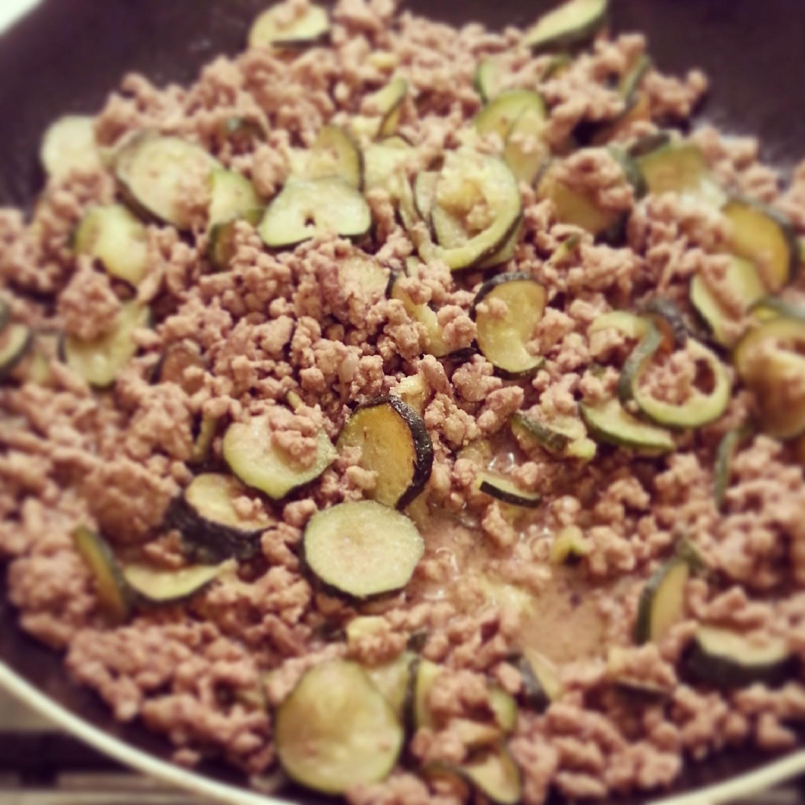 Super Torta salata con carne macinata e zucchine | Le ricette di Anna e  MS27