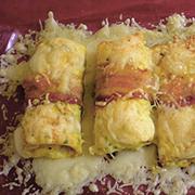 Rollitos de tortilla rellenos de queso