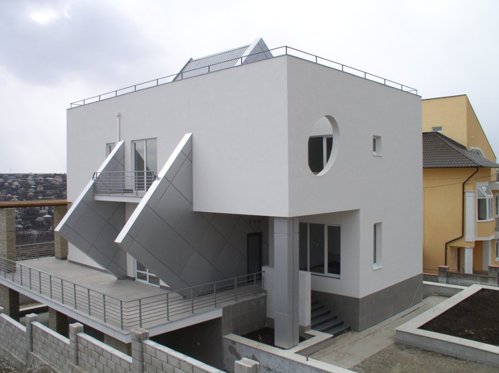 Contemporary real estate design and construction icf for Icf home