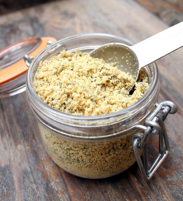 Oppskrift Parmegan Vegansk Parmesan Vegan Nøtter Pinjekjerner Cashew Gresskarkjerner Næringsgjær
