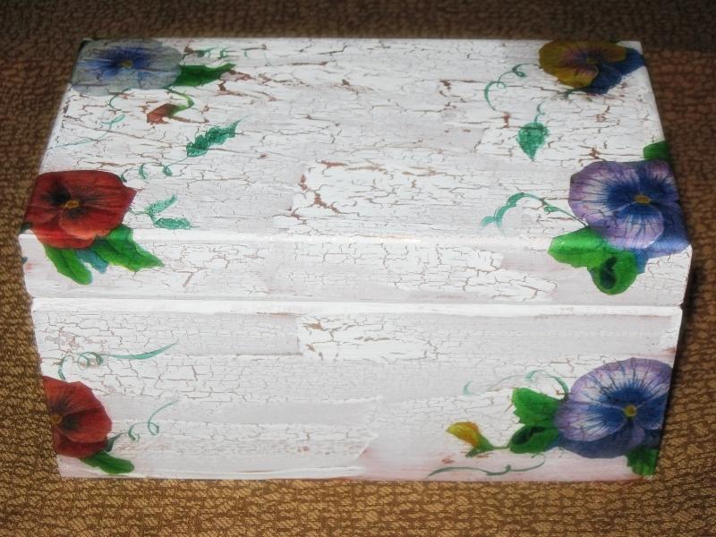 Recetas plantas y reflexiones caja de madera con for Pintura para decoupage