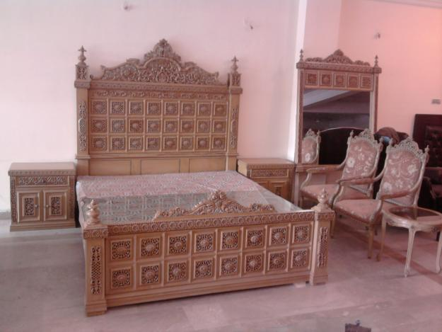 Asif Furniture Mart polish all kinds of Wooden Furniture  They believes in  Quality and Customer Satisfaction at the lowest Possible rates. Asif Furniture Mart  FURNITURE POLISH