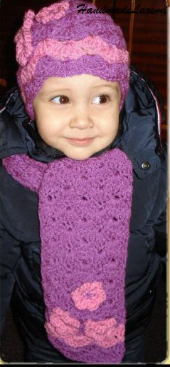 children is composed from a beanie hat and scarf hand crocheted from Crochet Hats And Scarves For Kids