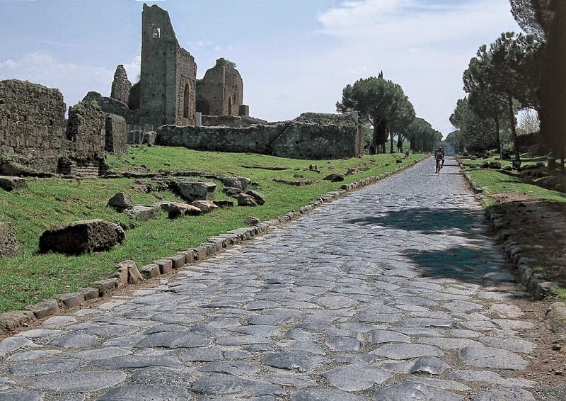 NOVITA' Tour in bici: Pedalando lungo le Mura Aureliane