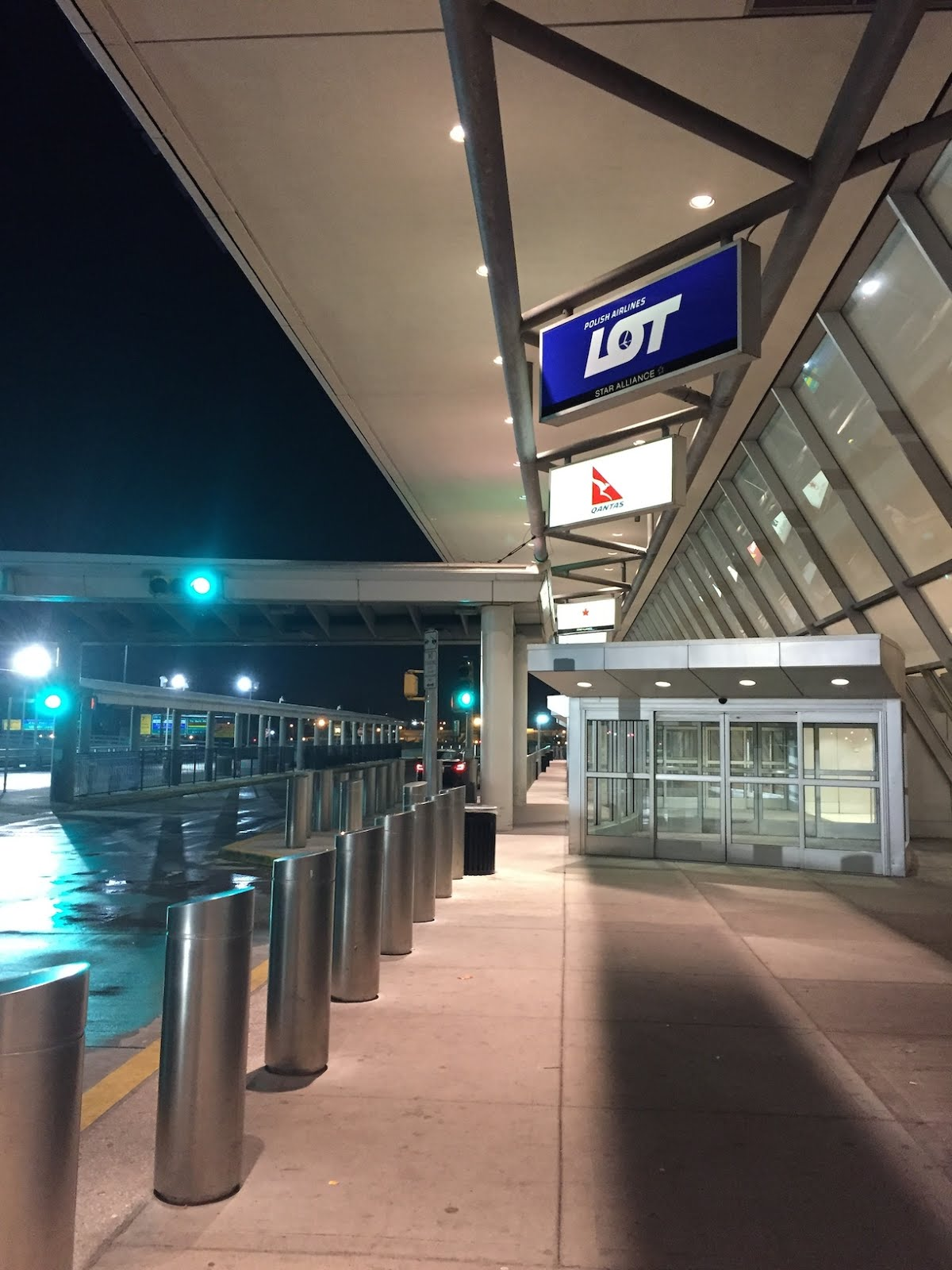 Aeroporto Waw : Review: lot polish airlines economy jfk waw svo traveler trials
