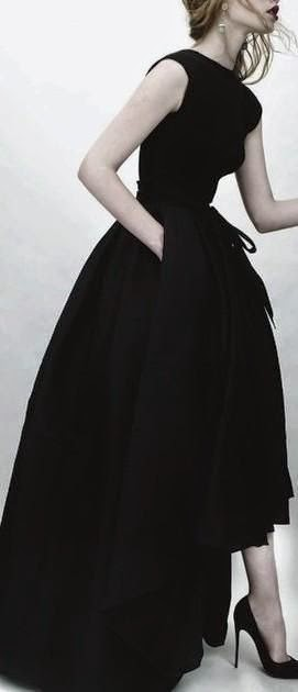Extremely gorgeous vintage gown - OH MY FREAKING GOODNESS LOOK AT THAT DRESS. JUST LOOK AT IT.
