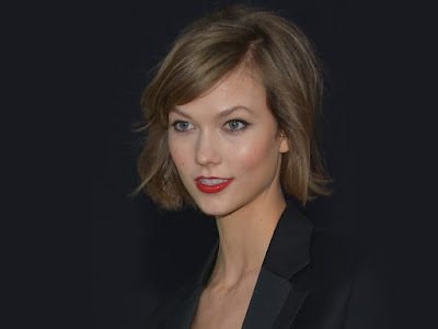 Karlie Kloss Smiling Wallpaper
