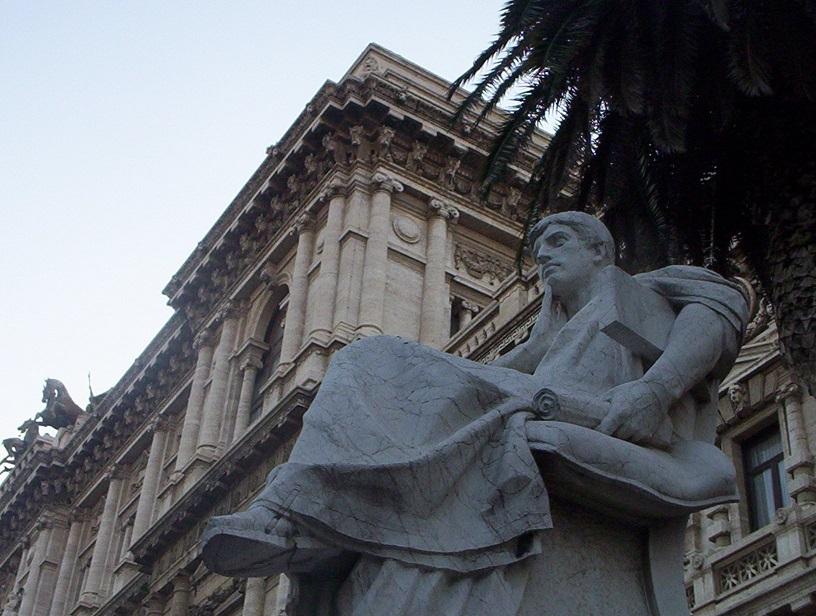 Beautiful-Statues-Rome-Italy-2006-Sealiberty