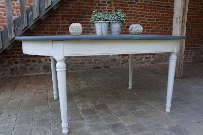 table-salle-à -manger-ovale-avec-rallonges-patinée-gris-ardoise
