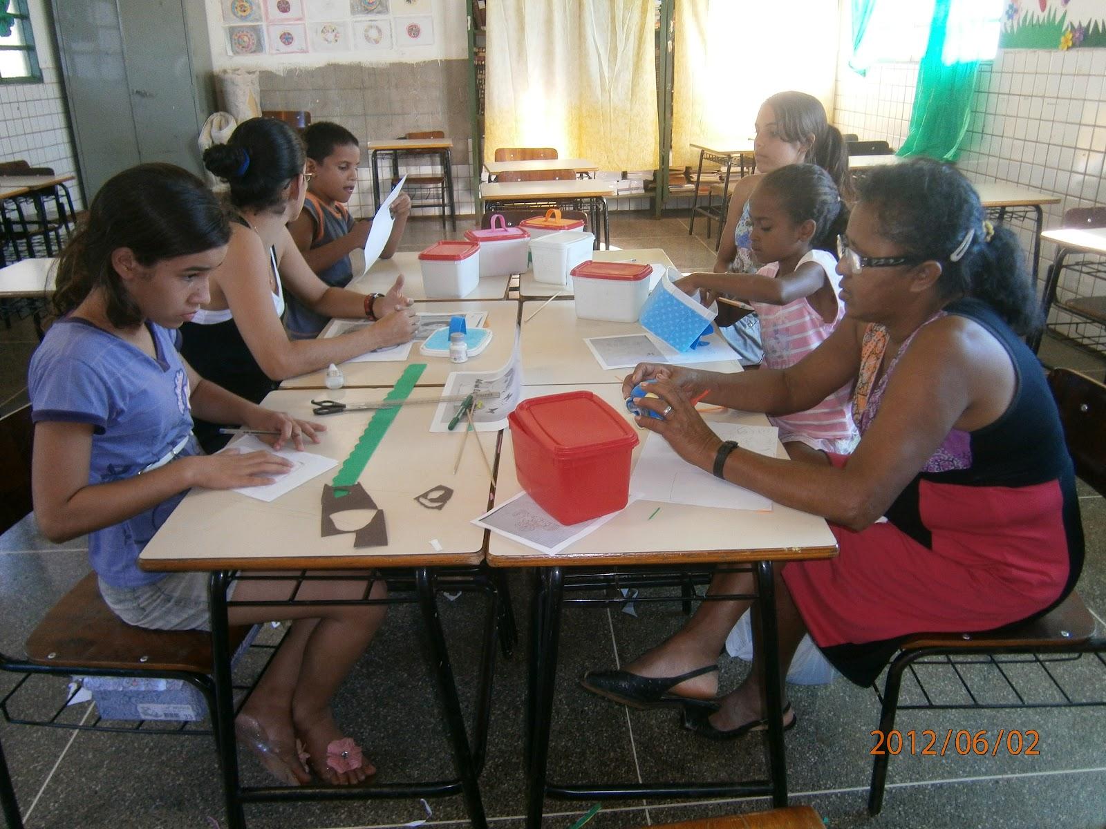 Dois Aparadores Vira Mesa De Jantar ~ CANTINHO DA PROFESSORA ELIS u00c2NGELA Artesanato em EVA na Escola Municipal Magda Ivana