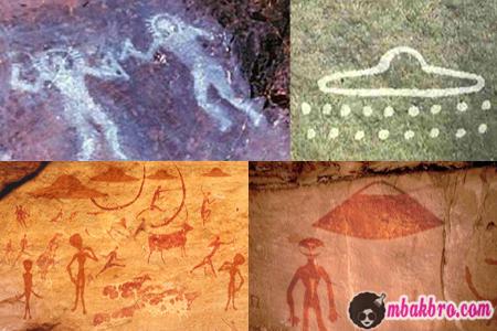 lukisan alien di gua