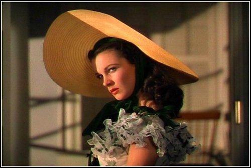 Casate, acuestate o mata Scarlett