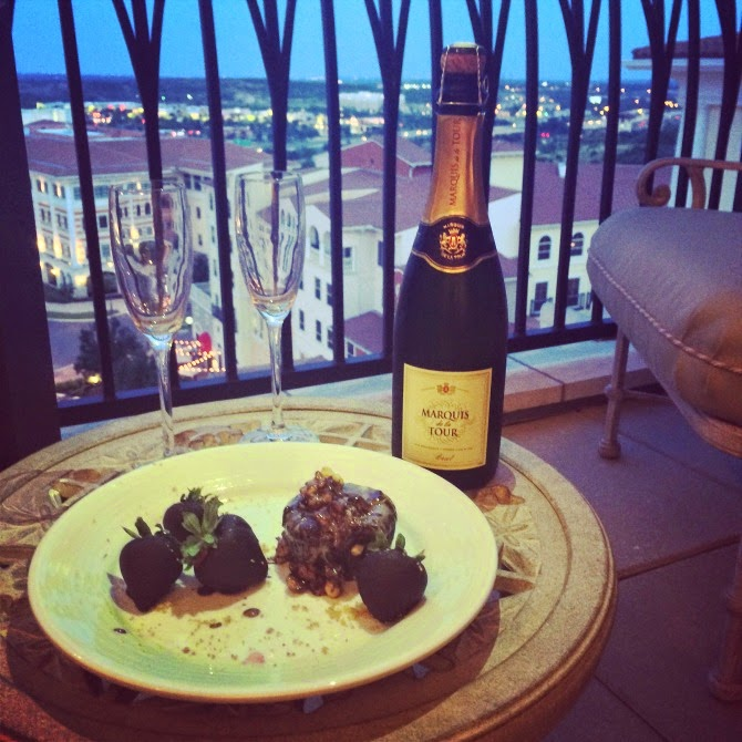 The Holland House: Champagne and Dessert