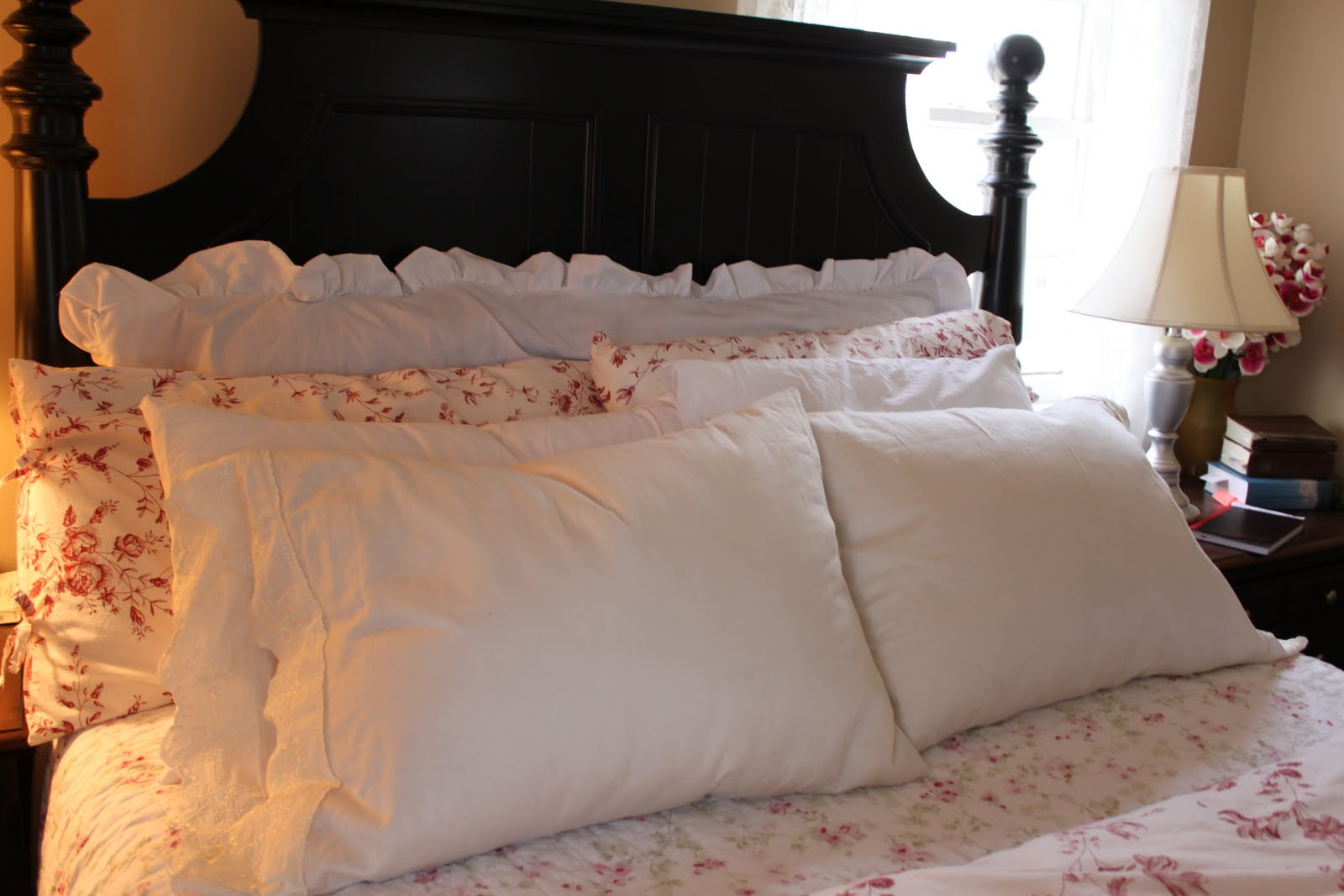 DIY: Body Pillow Cover & do it yourself as: DIY: Body Pillow Cover pillowsntoast.com