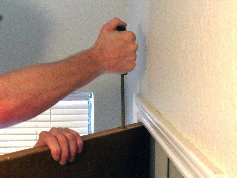 Безопасность: Как сделать тайник в торце двери