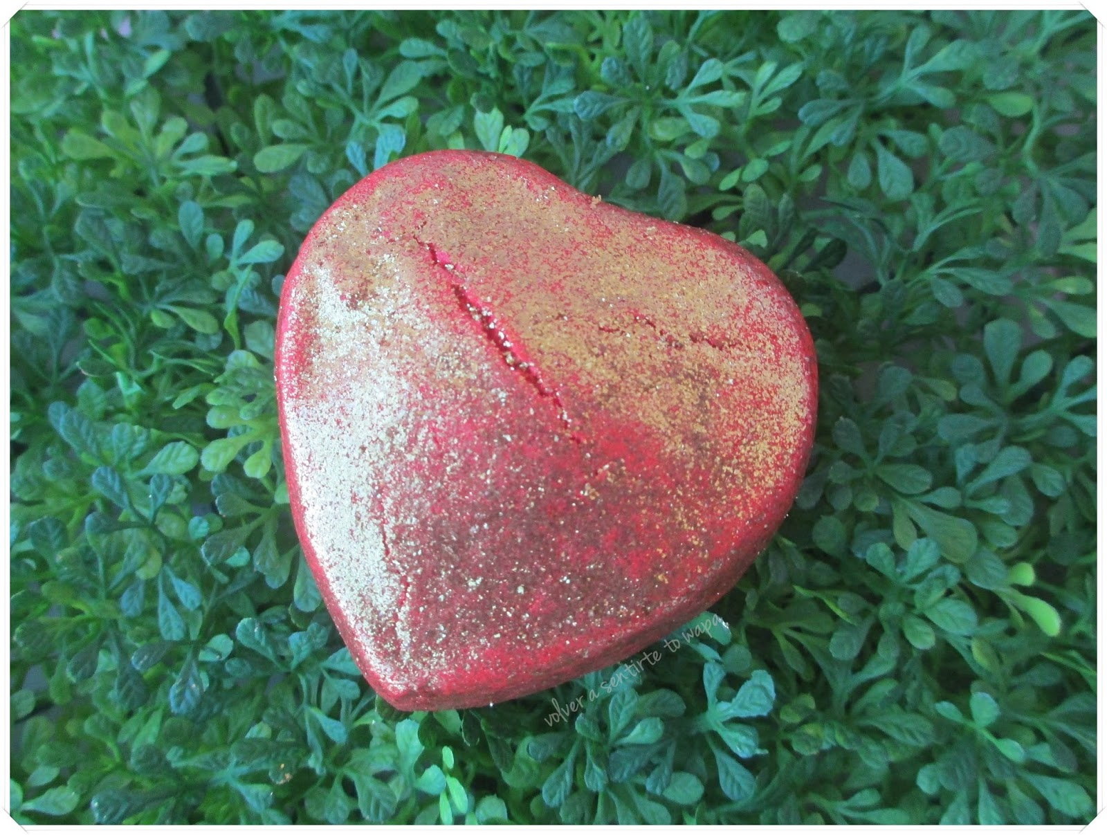 LOTS OF LOVE de LUSH - Burbuja de Baño Lonely Heart