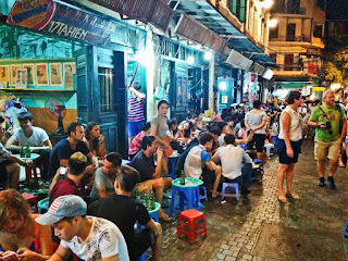 Discovering night market in Ha Noi Old Quarter 2
