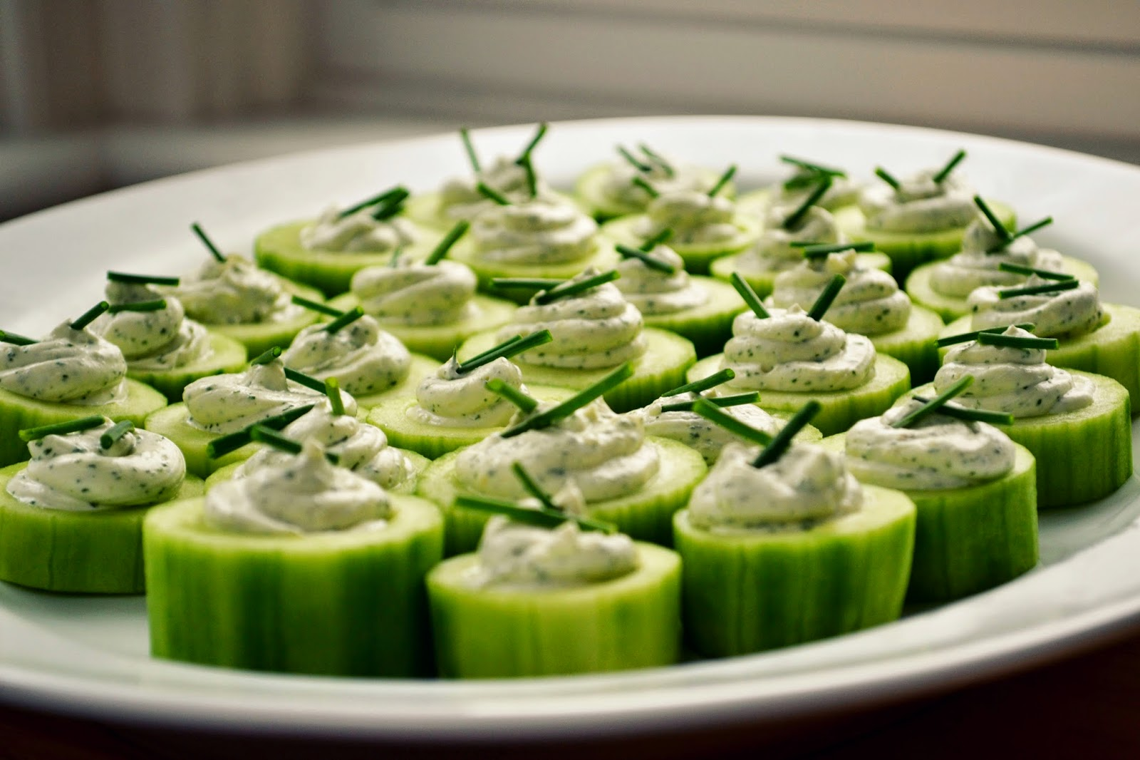 Family feedbag cucumber canap s with 2 cream cheese fillings for Canape fillings