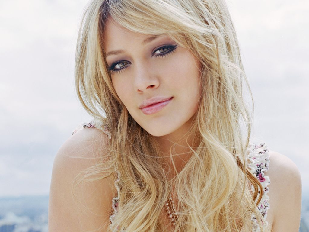 Hilary Duff Hot Wallpaper