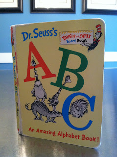 Dr. Seuss's ABC - An Amazing Alphabet Book!