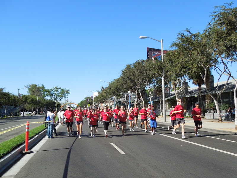 AIDS Walk LA 2012 Team to End AIDS runners