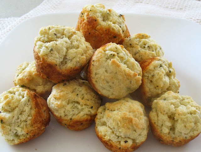 herbed sour cream and yogurt mini biscuits