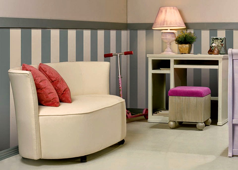 http://www.losmueblesdelatele.tv/mueble/40436/Puff_ovalo_asiento_registrable