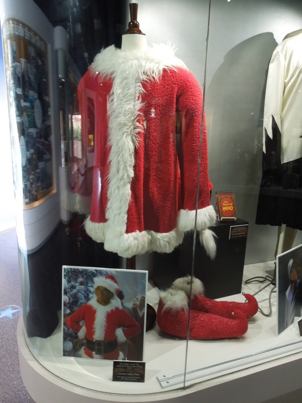 Jim Carrey The Grinch Santa movie costume