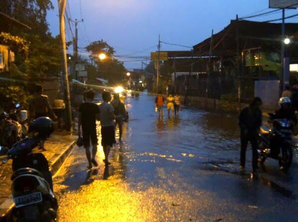 Kapuk Jakut Masih Terendam Banjir