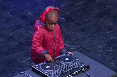 buongiornolink - A 3 anni è il dj più giovane al mondo, il piccolo Arch fa impazzire il talent