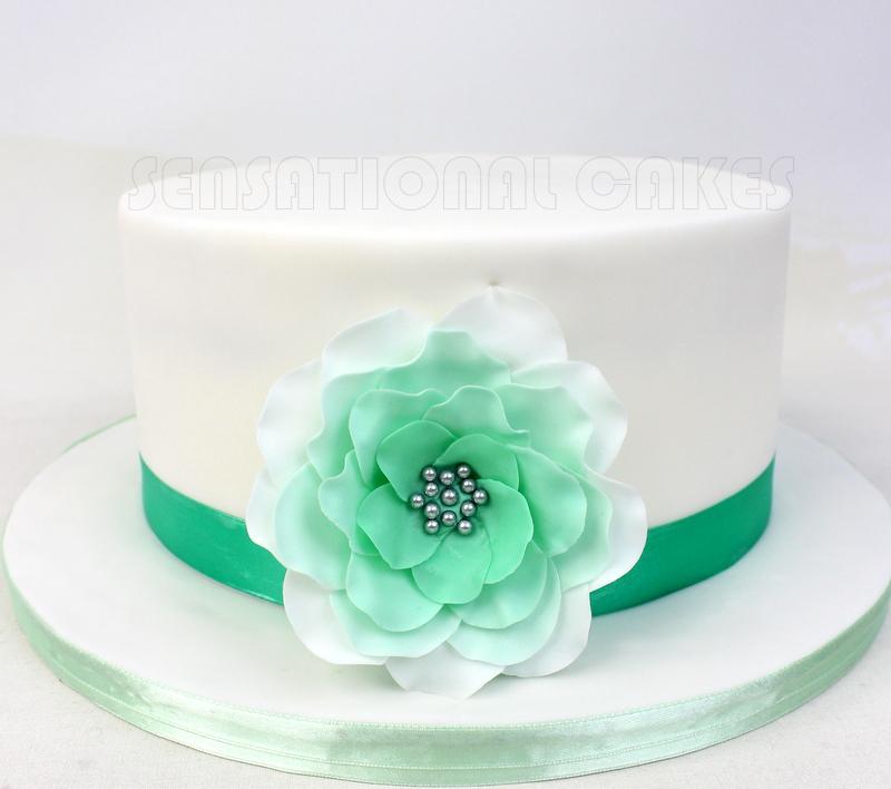 Teal green white flower simple wedding cake singapore sugar teal green white flower simple wedding cake singapore sugar flowers cake w cupcakes set singapore mightylinksfo