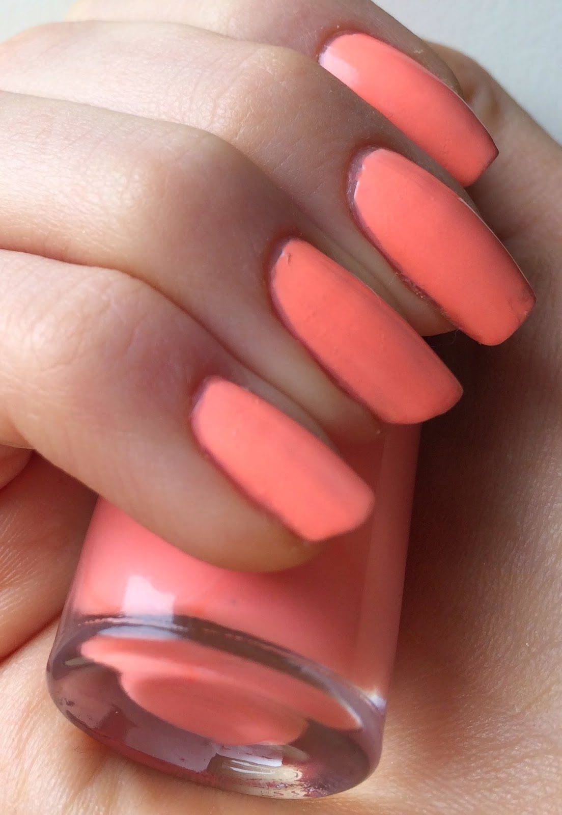 maybelline-bleached-neons-coral-heat-swatch