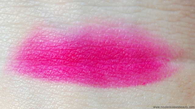 MAC Beth Ditto Lip Pencil in Embrace Me Swatch