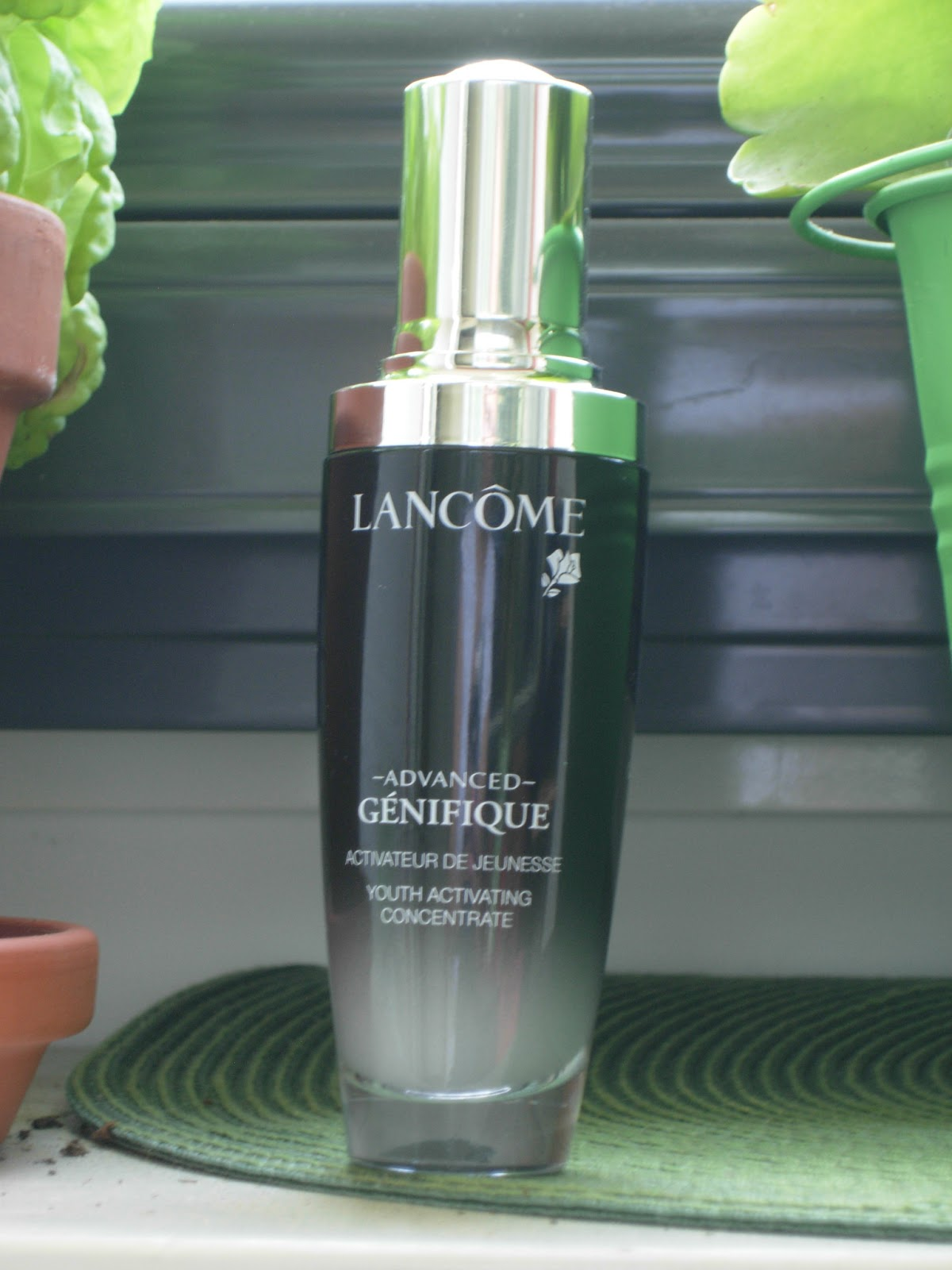 how to use genifique youth activating concentrate