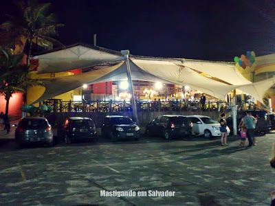 Prazeres da Pizza: Fachada e estacionamento