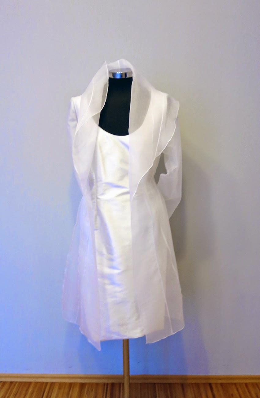 Lea Kovats: Standesamt Kleid mit Mantel